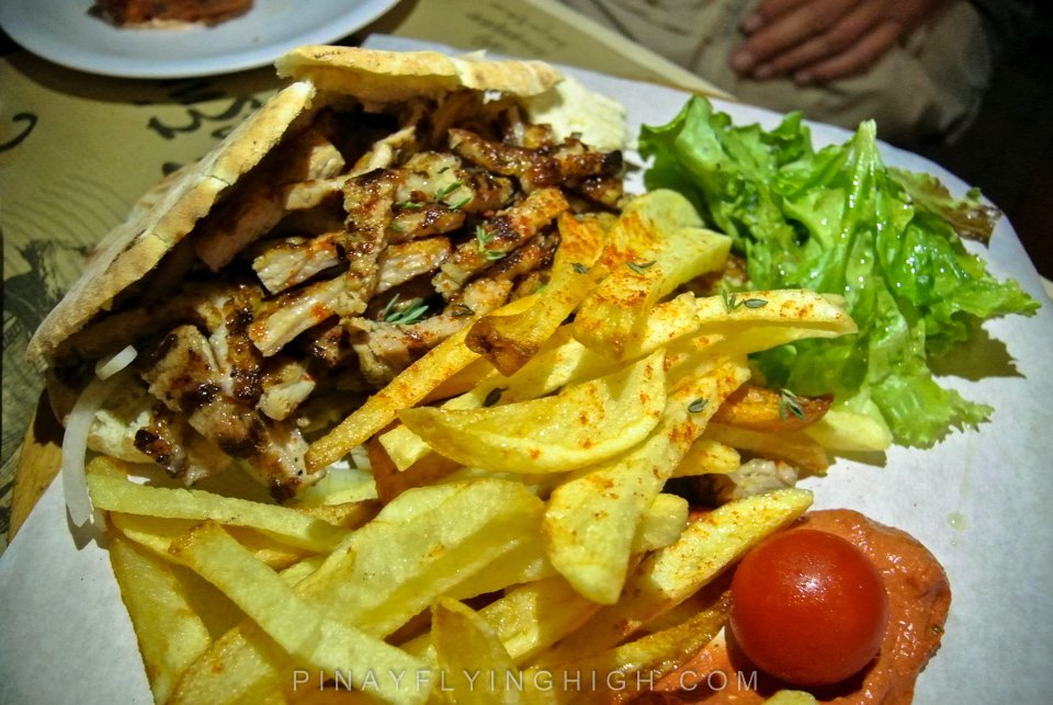 Gyros at Treis Ki Exinda, Thessaloniki, Greece
