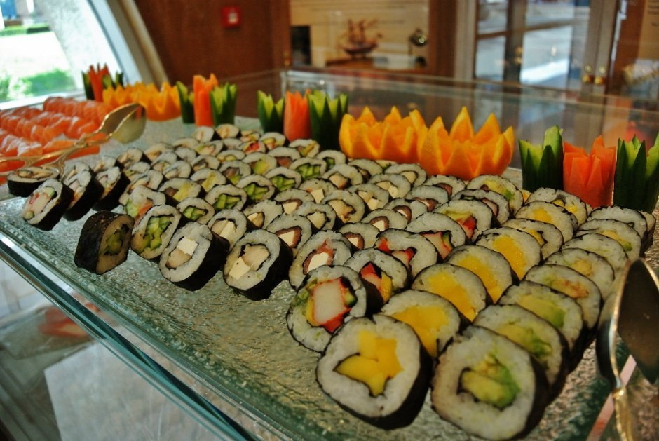 Friday Brunch at Lagoon REstaurant, The Ritz Carlton Doha