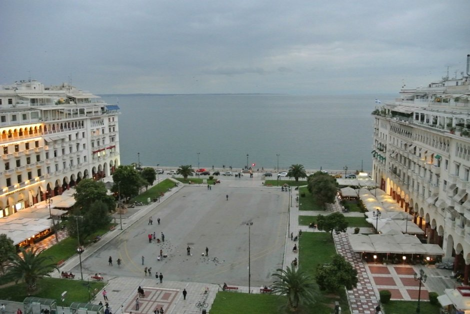 Aristotelous Square, Thessaloniki, Greece - PinayFlyingHigh.com